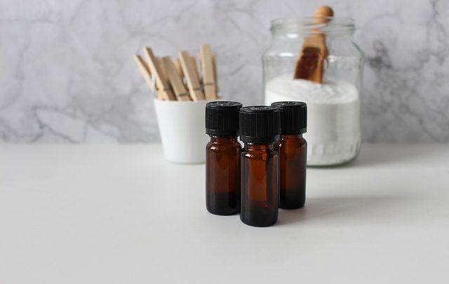 Właściwości oleju konopnego, o których jeszcze nie wiesz, a które mogą na zawsze odmienić Twoje pielęgnacyjne nawyki!